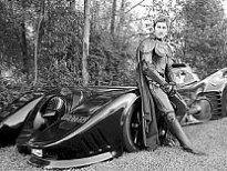 澳男子打造全球首辆可上路仿真蝙蝠战车